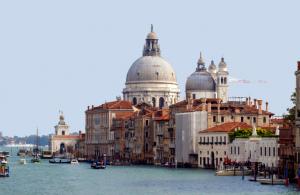 Ferrari-Tour-from-Venice