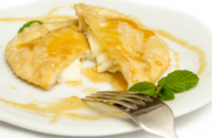 Italian-Christmas-Desserts-Sebadas