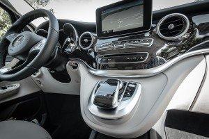 3_Luxury_Minivan_Interiors