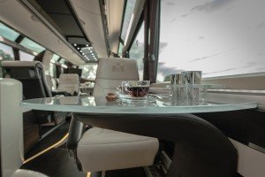 7_30_SEATER_LIMOBUS_CRYSTAL_TABLE_3