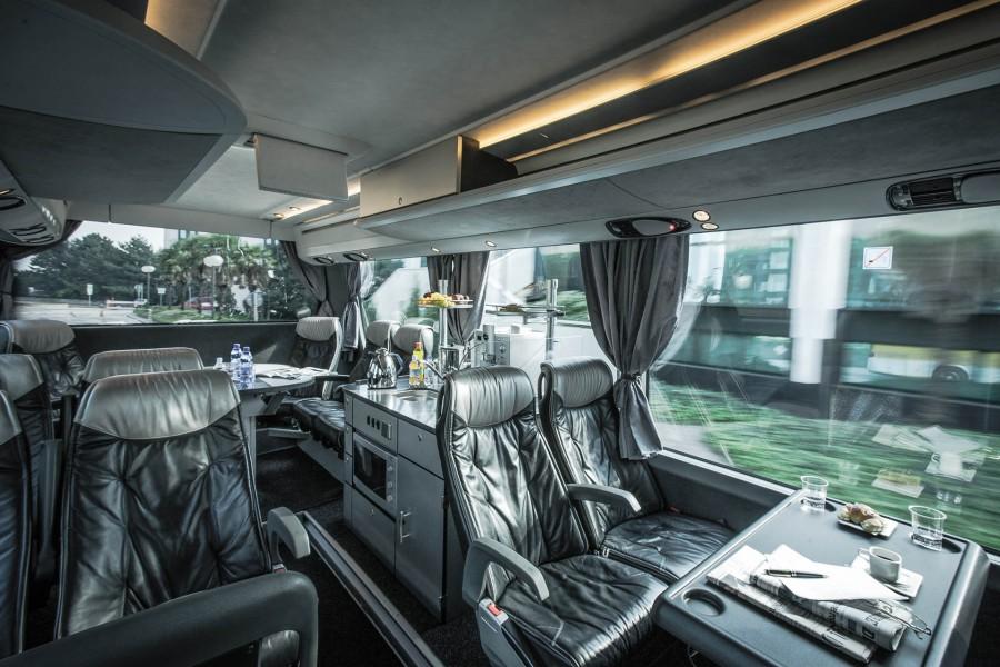 Luxury Bus 28