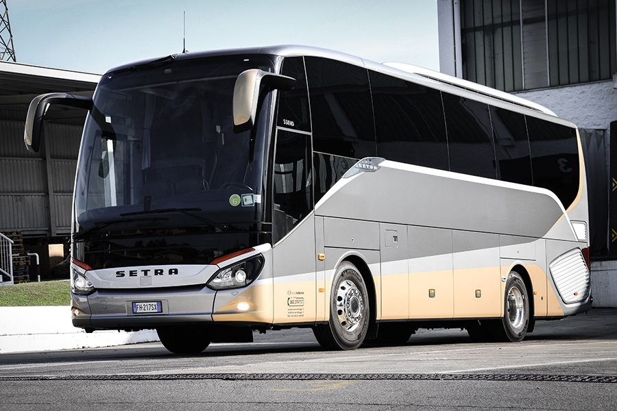 Luxury Bus 28
