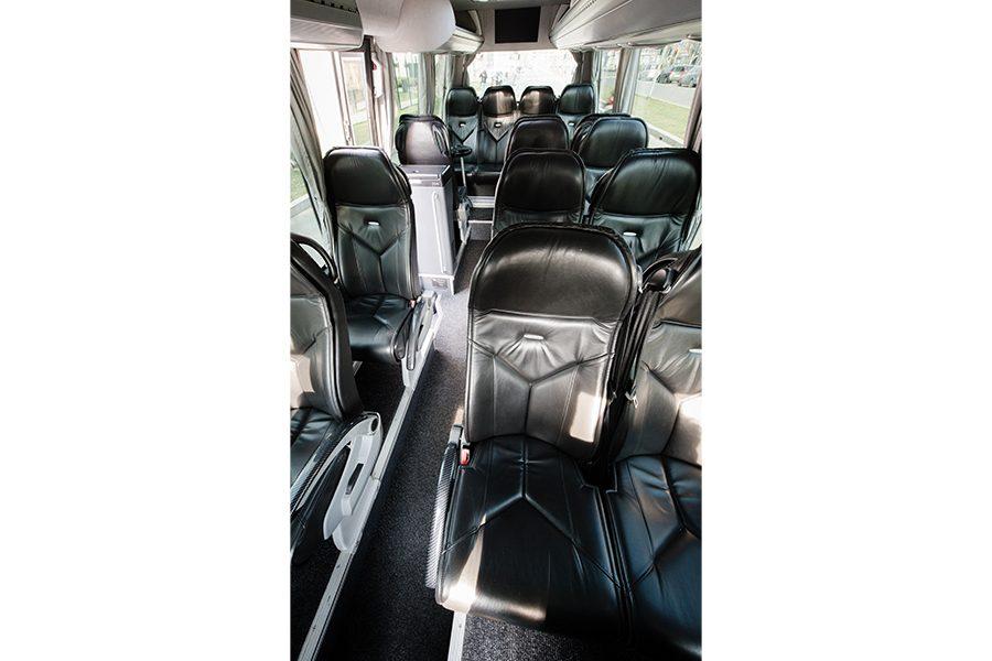 Luxury Minibus 16